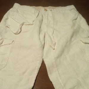Banana Republic White Cargo Capri Size 6